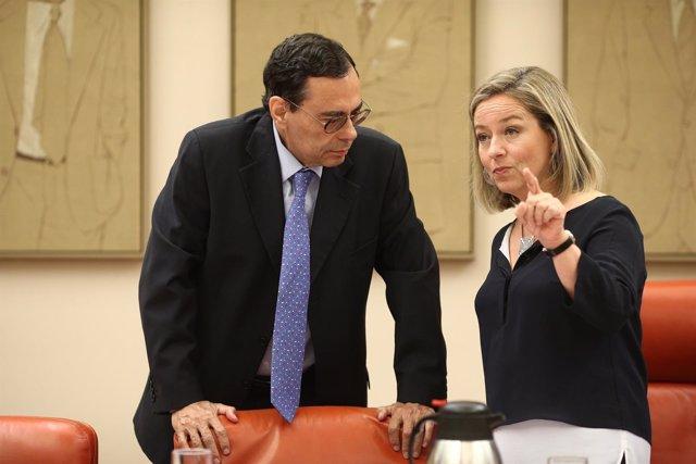 Jaime Caruana y Ana Oramas en el Congreso