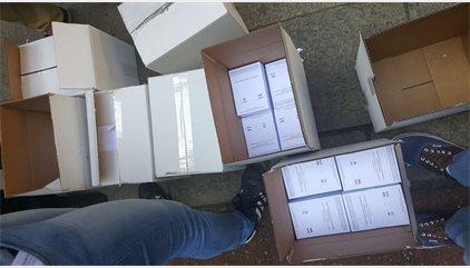 Reparten papeletas en toda Catalunya para votar