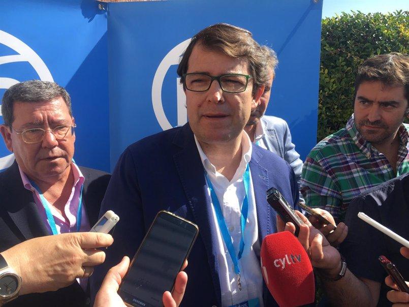 """Mañueco lamenta el """"cinismo"""" de Tudanca a la hora de exigir alternativas a Garoña"""