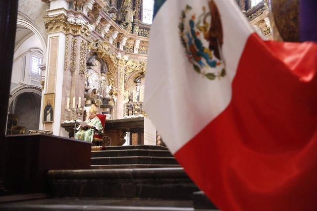La bandera mejicana ha ondeado en la Seo