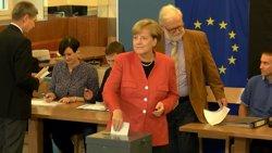 Alemanya.- Merkel es presenta com a vencedora i promet escoltar les inquietuds dels votants d'AfD (EUROPAPRESS)