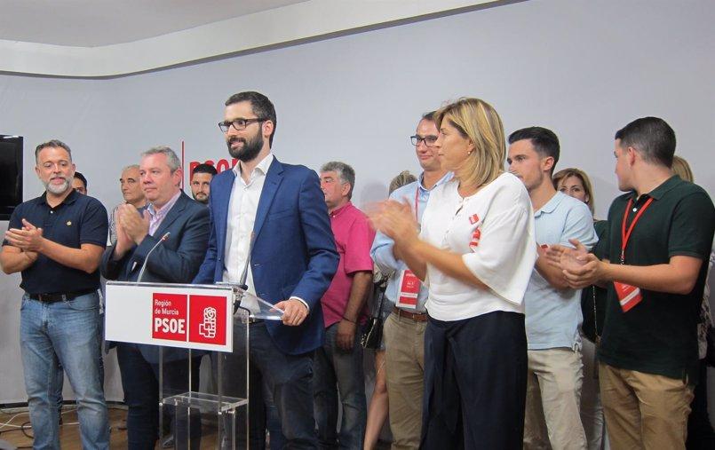 Lucas (PSOE) agradece el apoyo de los inconformistas y espera un partido unido, fuerte y autónomo tras el Congreso