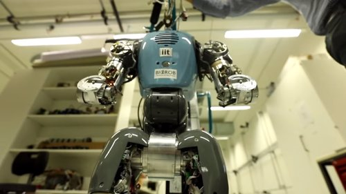 COMAN, robot humanoide bípedo