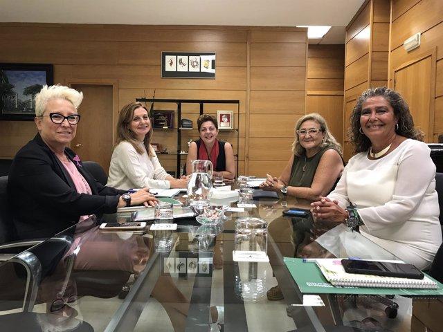 Marina Álvarez inicia contactos con las asociaciones de consumidores