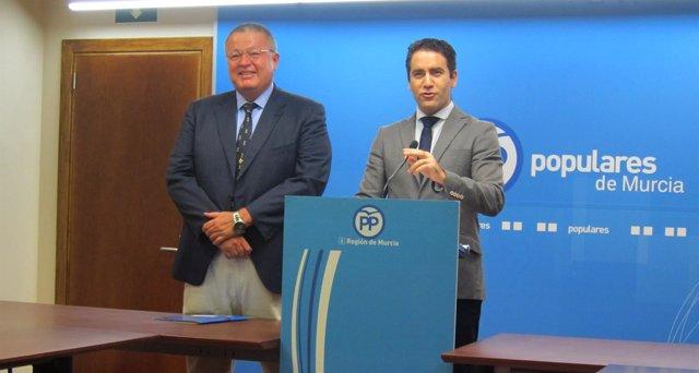 Teodoro García y Francisco Bernabé  en rueda de prensa