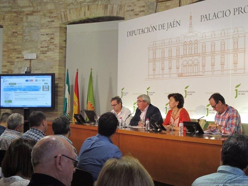 La Diputación  analiza con alcaldes la puesta en marcha el Plan Director de Residuos de la Construcción