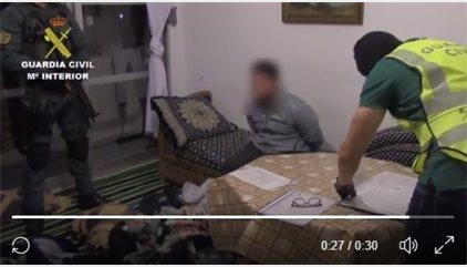 Los terroristas compraron 340 litros de material para explosivos con la documentación del detenido en Castellón