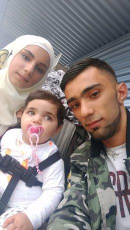 Nour Khallil, refugiado, y su familia