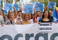 L'alcaldessa de Montcada s'acull al dret de no declarar i acusa l'Estat