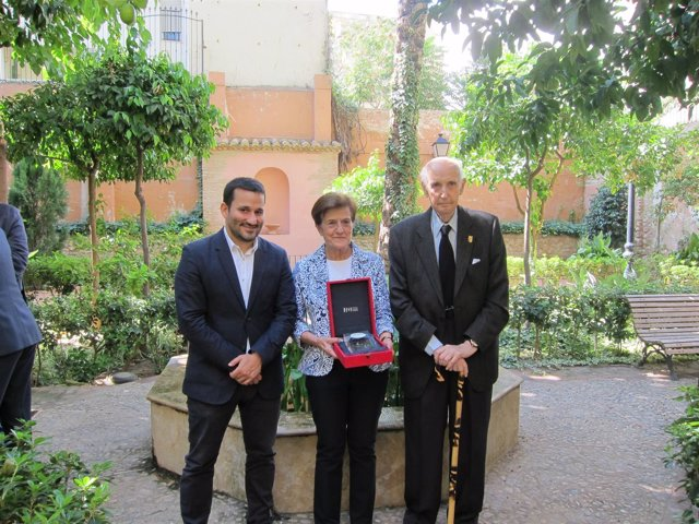 Vicent Marzà, Adela Cortina Y Santiago Grisolía En El CVC
