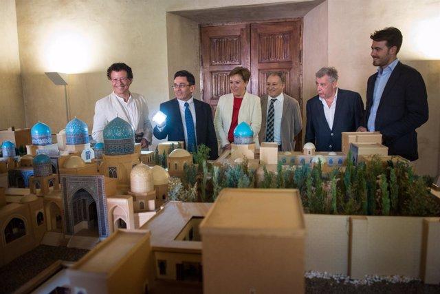Maqueta del Palacio Azul en una exposición en la Casa de los Tiros