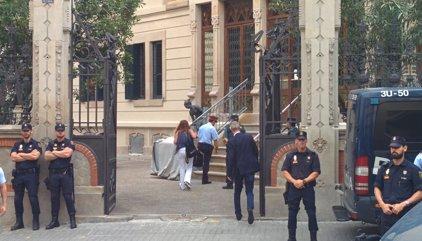 De los Cobos se reúne con los mandos de Mossos, Guardia Civil y Policía