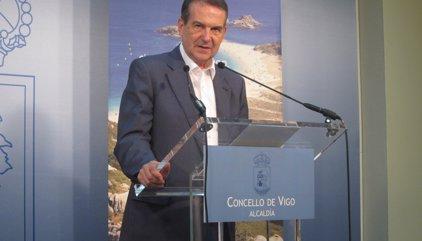 """El portaveu dels alcaldes a Puigdemont: """"Amb Franco es votava i això era feixisme pur i dur"""""""