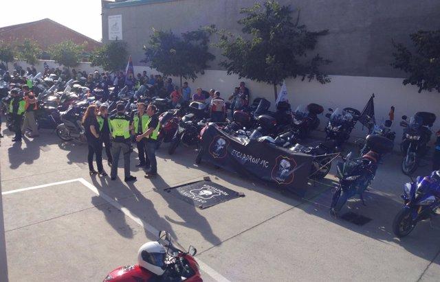 Motos en el homenaje al presidente del Motoclub Escuadrón de Laguna