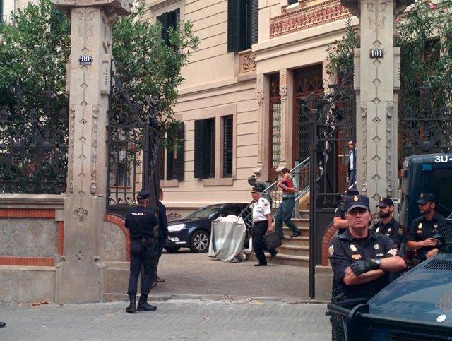 Salida de mandos policiales de la Delegación del Gobierno