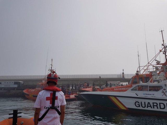 Cruz Roja de Cádiz, en tareas de interceptación de inmigrantes