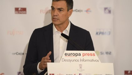 """Sánchez reclama """"prudencia"""" a Maza y acusa al Gobierno de delegar sus funciones en los jueces"""