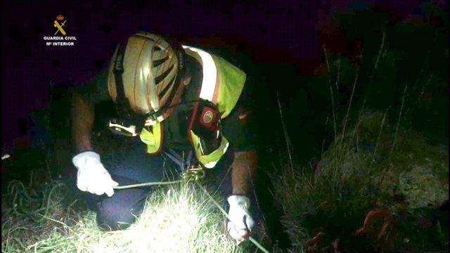La Guardia Civil Rescata A Dos Montañeros Perdidos En El Canal De Trea De Posada
