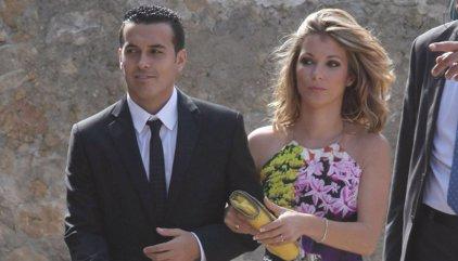 Divorcio sorpresa de Pedrito tras publicarse unas fotos besando a otra mujer