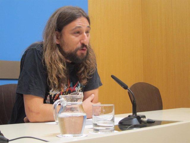 El concejal de Deporte, Pablo Hijar, hoy en rueda de prensa en el Ayuntamiento