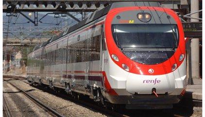 Parados los trenes de cercanías y desvíos en regionales por un incidente cerca de Virgen del Rocío en Sevilla