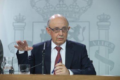 El PSOE da por hecho que Montoro prorrogará los Presupuestos de 2017