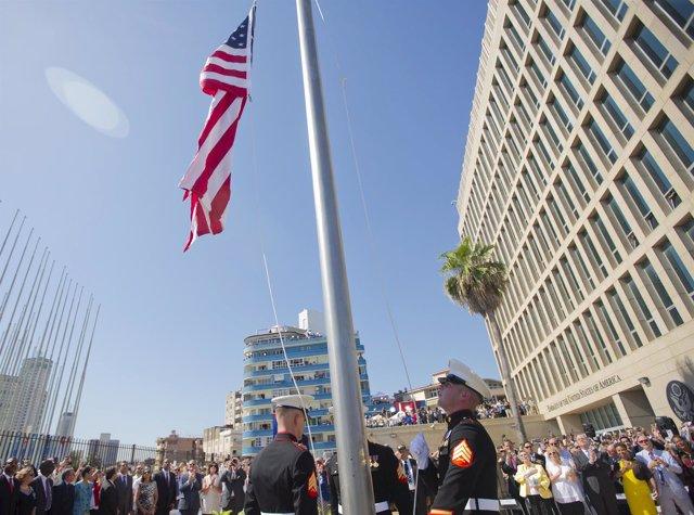 La bandera de EEUU en la Embajada de La Habana