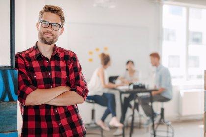 Casi el 37% de los universitarios trabaja por debajo de su cualificación