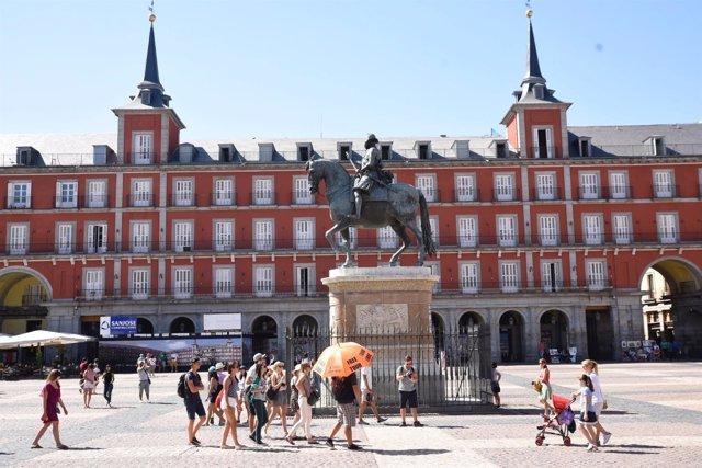 Recursos de turistas en la Plaza Mayor de Madrid