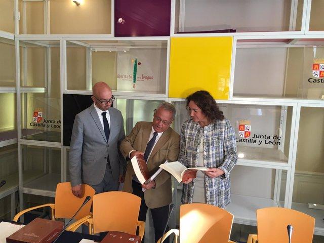 Burgos: Luis Jorge del Barco, Santonja (C) y Cirac (D)