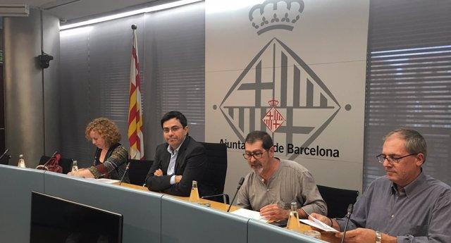 Sara Berbel, Gerardo Pisarello, Juan José Casado (UGT)y Vicenç Terrats (CCOO)