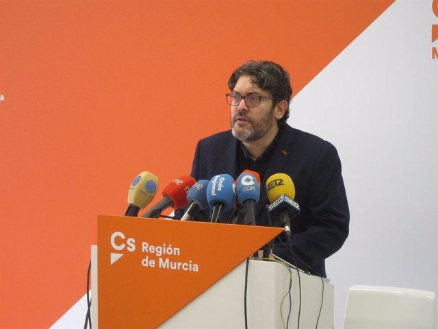 El portavoz de Ciudadanos en la Asamblea Regional, Miguel Sánchez