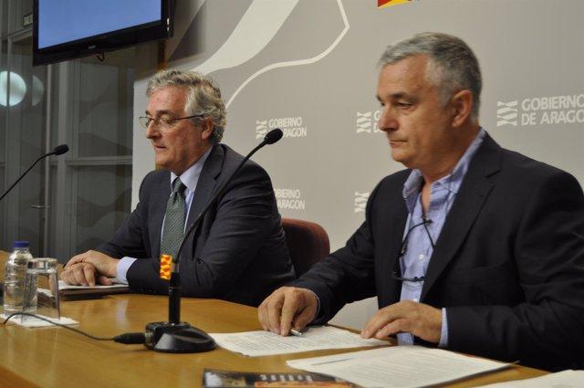 El consejero Joaquín Olona y el director de Gestión Forestal, Ángel Berzosa.