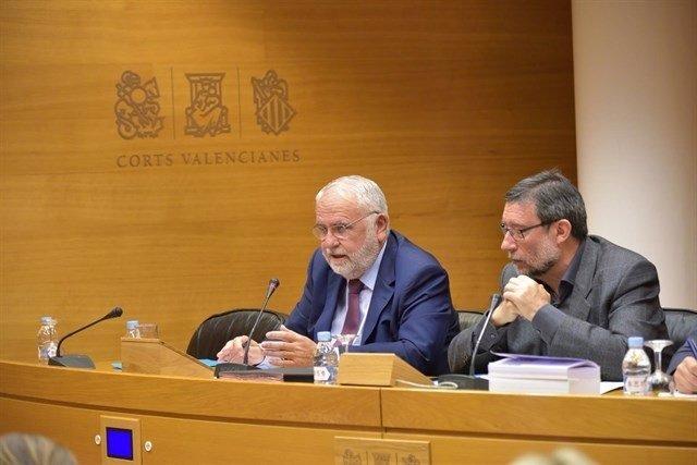 El exconseller Cotino en su comparecencia en la Comisión