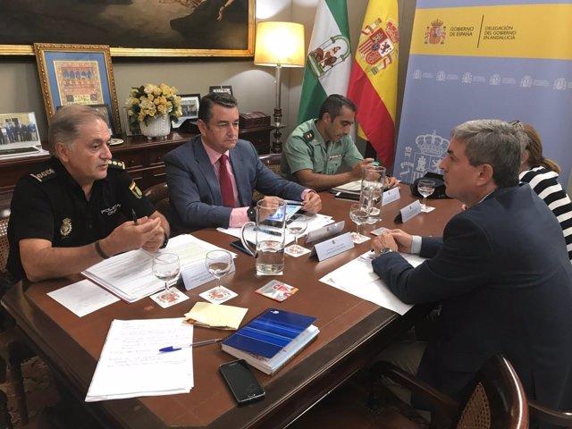 Reunión de Antonio Sanz con responsables policiales y del Satse