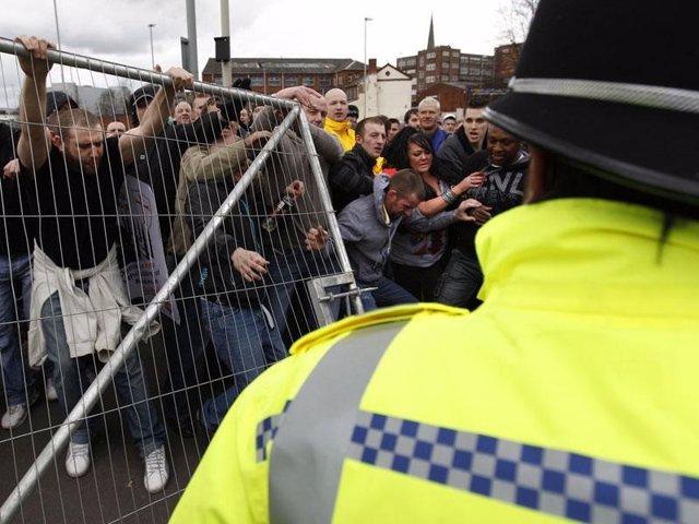 Protesta contra una mezquita en Dudley