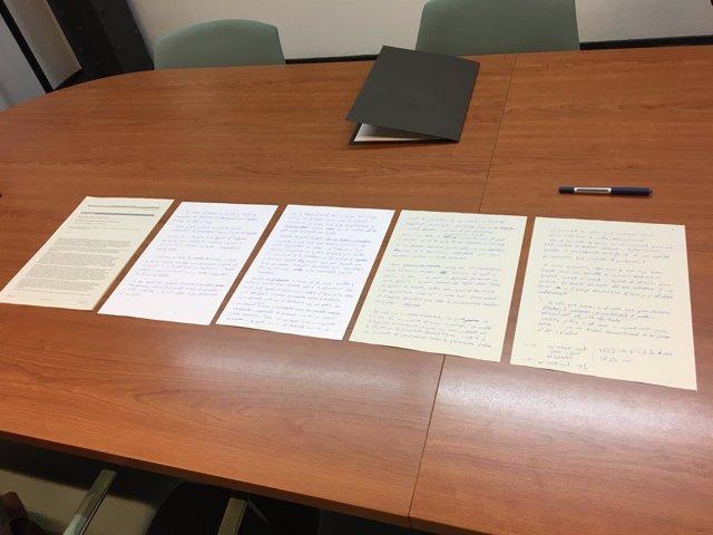 Manuscrito de la declaración de Puigdemont al convocar el referéndum