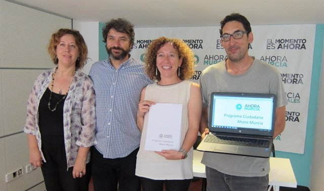 Luis Bermejo en los comienzos de Ahora Murcia junto a Micol, Alzamora y Morales