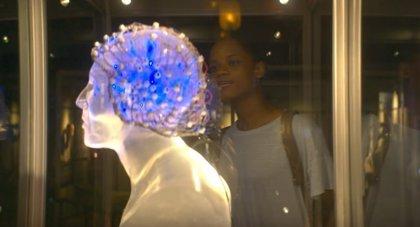 Black Mirror: El futuro está al otro lado de la pantalla en el primer avance en español de la 4ª temporada