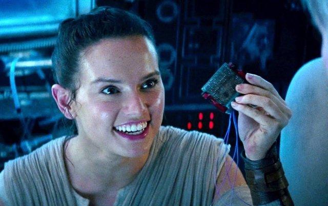 Rey (Daisy Ridley) en Star Wars: El Despertar de la Fuerza