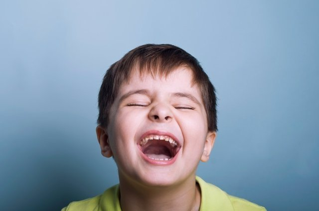 Niño riendo, risa