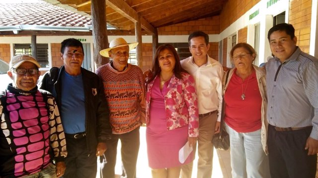 Imagen de la delegación murciana con autoridades de Paraguay