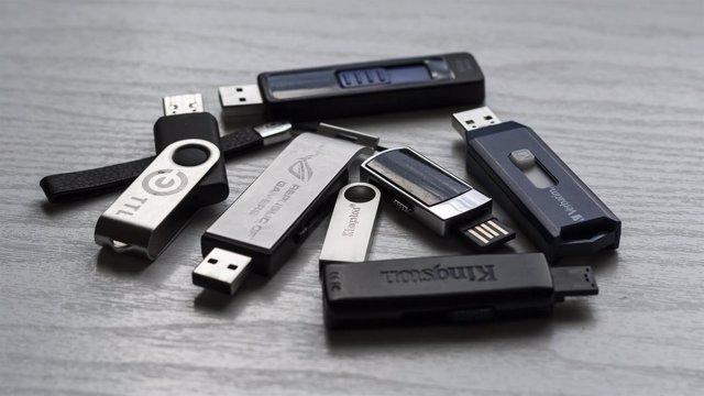 USB, pendrives