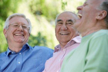 La salud bucodental y auditiva, descuidada por los mayores de 65 años