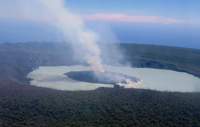 Erupción del volcán Manaro Voui en Vanuatu