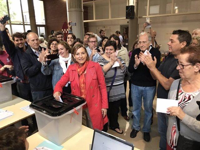 La presidenta C.Forcadell vota en Sabadell durante el 1-O