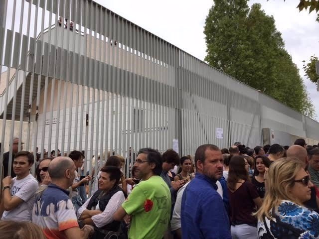 Cierre de centros en Tarragona por el 1-O