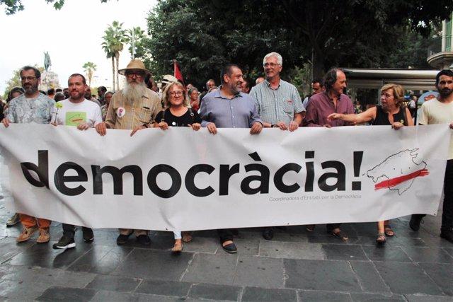 Manifestación a favor de la democracia