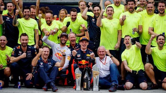 Max Verstappen Daniel Ricciardo Malasia
