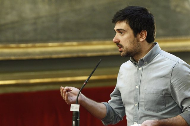 Rueda de prensa de Ramón Espinar en el Senado